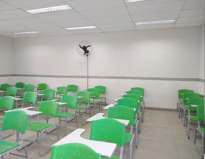 Sala de aula com piso