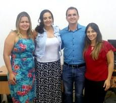Na foto: Débora Artiaga (Diretora de Ensino do IFMG), Fernanda Ribeiro (Secretária de Educação), Leonardo Barbosa (Diretor Geral do IFMG) e Ana Karina Reis (Chefe de Gabinete do IFMG)