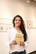 Izabelle recebeu amigos, familiares e professores no lançamento de seu livro