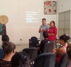 Kleber Martins e sua orientadora, pedagoga Luci Faria.