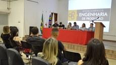Comunidades interna e externa se envolveram em debates propostos