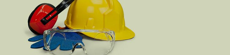 capacete, luvas e protetor de ouvido